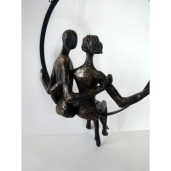 sculpture-unite-couple-suspendu-resine-dore